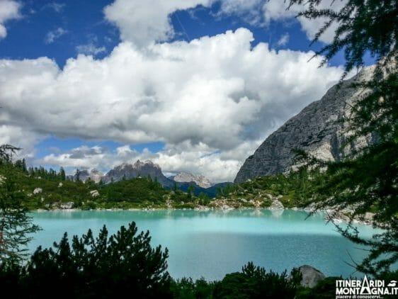 La Forcella Marcoira e il Lago di Sorapiss dal Passo Tre Croci