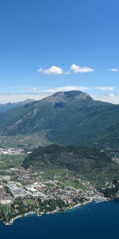 Panorama sul Riva del Garda dalla Cima Capi.