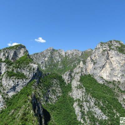 Le cime Valdes e Grotta Dazi.