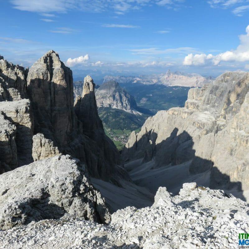 Panorama sulla Val de Misdè e sulle Dolomiti Orientali di Badia.