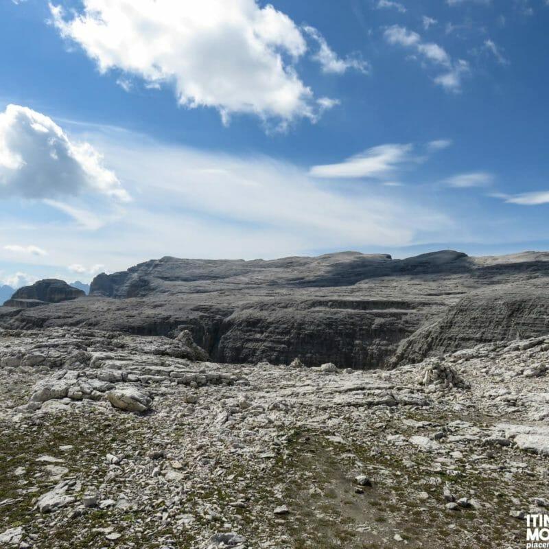 L'altipiano roccioso de Le Mesules.