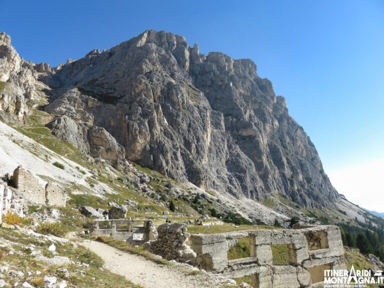 Ferrata degli Alpini Col dei Bos dal Passo Falzarego